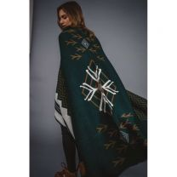 Explorer Wraparound Blanket